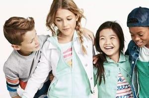Fino al 60% di sconto su Abbigliamento Sportivo Bambini