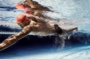 Sconti fino al 62% sui costumi da piscina